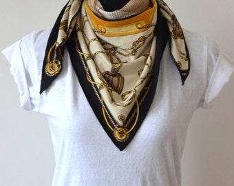 "SALE % Triangle Scarf ""Glory"""