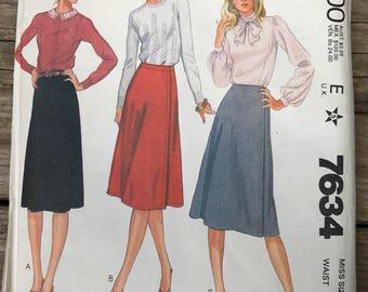 Vintage McCall's 7634 Wrap Skirt Sewing Pattern / 1981 Mccalls Wrap Skirt Size 10 Waist 25