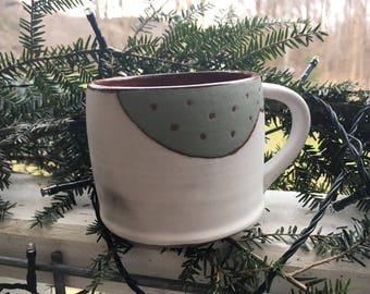 Cloud mug in sage and green