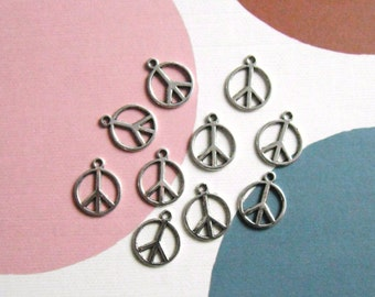 20 Peace Sign Charms Antique Silver Pack Of 20