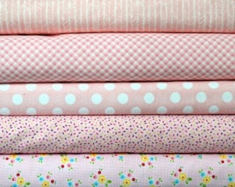 Light pink fat quarter fabric bundle