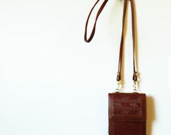 Chestnut Brown Faux Leather Mini Purse / Vintage Woven Crossbody Wallet / Vintage Mini Purse with Long Strap