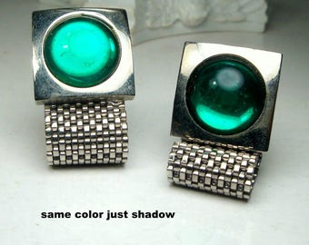 CUFFLINKS, Green Glass Wrap a Round Mesh  1960s,  Vintage Silver w Jelly Belly Cabochons, Geometric Mod Squares,  Mesh Wraps Around the Cuff