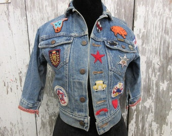 vintage denim jacket with patches mens size XS or small Wrangler jacket, distressed denim heavily patched, rainbow patch, 80's vintage denim