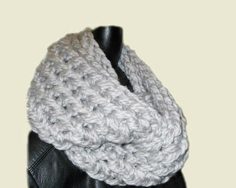 Gray Scarf SUPER CHUNKY Squishy Soft Infinity Scarf Cowl Womans Fashion Statement Scarfs Silver Wool Light Pearl Gray Scarf Womens Scarves