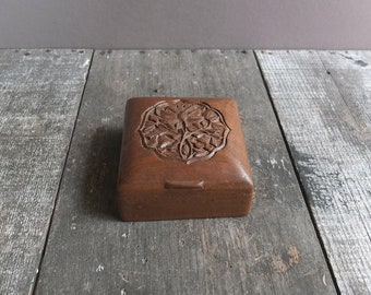 Vintage Carved Wood Trinket Box / Jewelry Box / Wood Box with Lid / Wood Box India