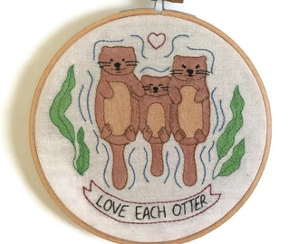 Family Otter embroidery, embroidery hoop art