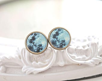 Moon stud  earrings pretty cute black black white astronomy Wicca