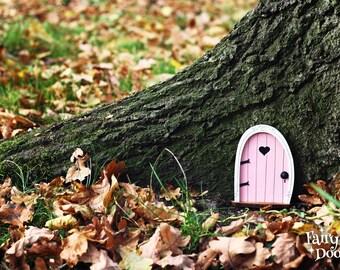 Fairy Door 'Bella' in Pink - Pink Fairy door - Miniature door - Fairy garden - Fairytale door - Tooth Fairy door - Fairy door for tree