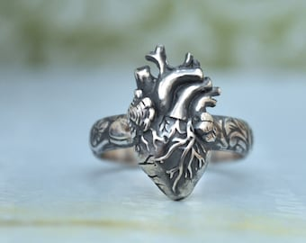 sterling silver heart ring, anatomically correct heart, anatomical heart, 925 sterling silver