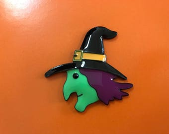 Green Witch Needle Minder