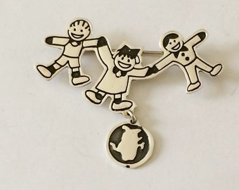 Sterling Silver Children With Pet Brooch (8.0 grams)