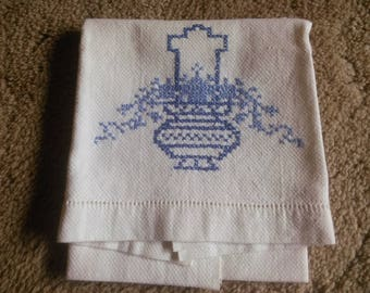 Vintage Linen Dish Towel - Blue and White Linen Hand Towel - Vintage Linen Towel with Cross Stitch Vase and Cross