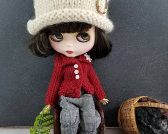 Chunky White Wool Hand Knit Hat for Blythe Doll, With Removable Pinback Button, Ivory Winter White