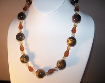 A Beautiful Tiger Eye and Citrine and Crystal Necklace and Earrings. (2014101)