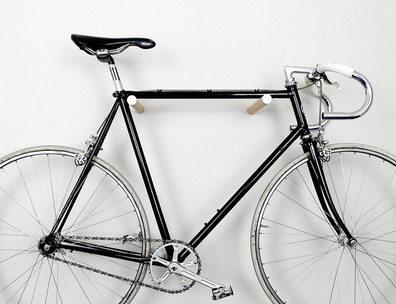wooden bike hook // OAK WOOD // WHITE