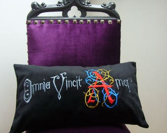Omnia Vincit Amor, black velvet, cushion, decorative pillow, embroidery, dropped letter