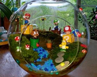 LIVE MOSS TERRARIUM - Large Super Mario Theme Hanging Terrarium Globe