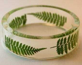 Fern bracelet, fern and resin bracelet, botanical bracelet, botanical bangle, fern bangle, green bracelet, made in Quebec, made in Canada