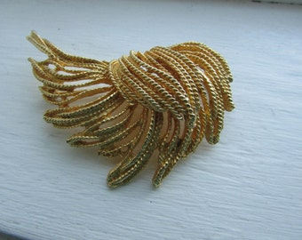 LARGE Vintage GOLD METAL Brooch - Pin