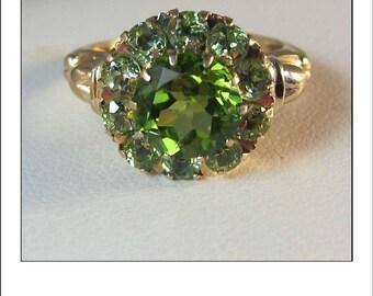 Vintage Deco 10k Peridot Halo Princess Ring