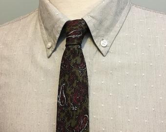 ON SALE Green/Red/Silver Paisley Pattern Men's Silk Skinny Tie c1960s