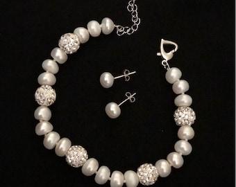 Freshwater Cultured Pearl Bracelet and Earrings Set