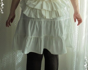 White petticoat with bustle -Lolita -Steampunk -Burlesque -Belle Epoque -Can Can -Wester -Circus -Ruffles -(Bitter & Sweet)