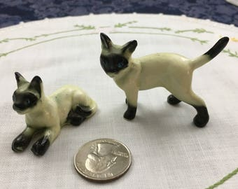 2 Vintage Porcelain Figurines Chocolate Seal Point Siamese Cats with Blue Eyes
