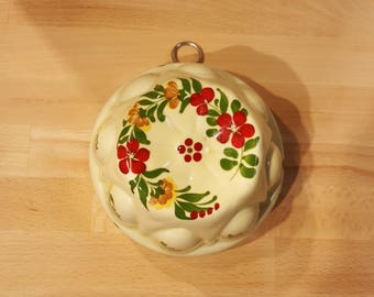 Floral Porcelain Wall Mold Handpainted in Portugal for Teleflora presented by Donellensvintage