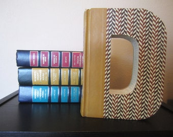 Letter D Monogram Reader's Digest Book Letter -  Wedding Decor and Gift Idea - Book Lover's Gift - Library Gift - Wedding Gift