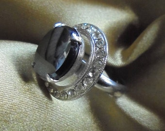 Vintage Sarah Coventry Hematite and Rhinestone Ring