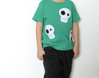 Skulls Can be Cute! - Kelly Green Kids T-Shirt – Boys or Girls