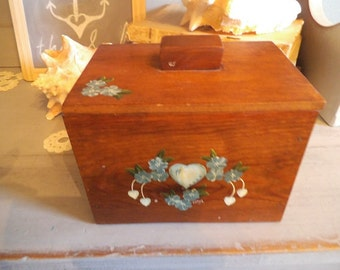 Vintage chunky wooden Recipe box ~ Country Farm House Primitive ~ Tiny painted blue flowers