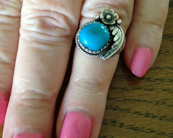 Native American Old Pawn Turquoise and Silver Ring