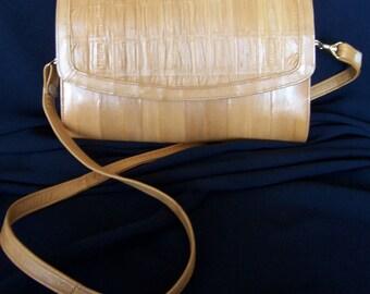 Tan Eelskin Crossbody Clutch Purse Handbag 4 Compartments 80s Elegant Bag Rusched Front Flap Detachable Shoulder Strap FavoriteCollectibles
