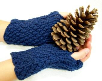 Navy Blue Wool Button Cuff Fingerless Mittens, Blue Chunky Knit Fingerless Mittens, Knit Arm Warmers, Blue Knit Wrist warmers, Winter Trends