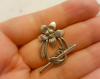 Silver Floral Toggle Clasps x 5
