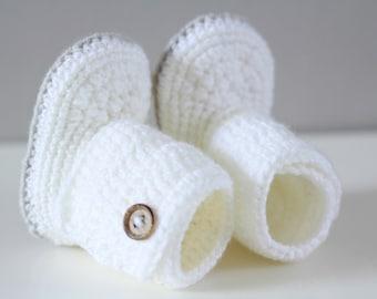 White baby booties, handmade baby booties, baby shoes, baby socks, crocheted baby booties