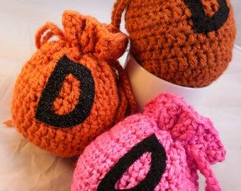 Pattern to Crochet A Pouchy Little D-Bag