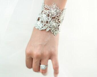 Lace Bridal Cuff Bracelet, Silver Lace Floral Bridal Cuff Bracelet, Silver Filigree Cuff Bracelet, Floral Cuff, Silver Swarovski Bracelet