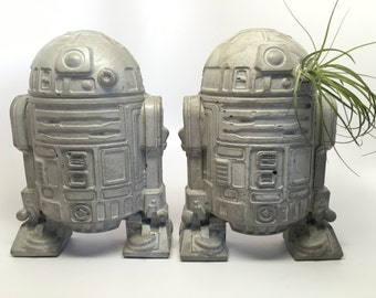 Pair of Large R2D2 Concrete Bookends - Air Plant Holder - Decorative Object - Star Wars