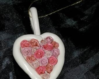 Tiny Roses Heart Pendant