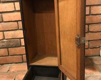 Vintage Wall HANGING CABINET CUPBOARD   Mid Century