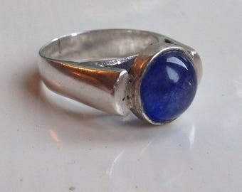 Superb Solid Sterling Silver 6.9g Round Bezel Set Natural Cornflower Blue Sapphire Modernist Gemstone Ring Size UK M - US 6
