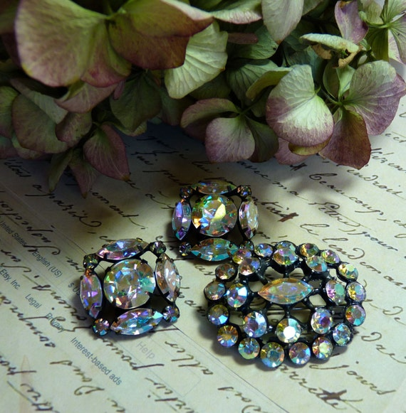 Price Reduction ~ AURORA BOREALIS BROOCH Earrings Ensemble Set Vintage  Free Shipping