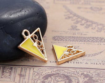 5 pendants Triangle - Enamel and openwork gilt 1.5 cm / geometric