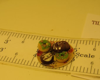 Plate of Six Doughnuts for Dollhouse one inch scale miniature