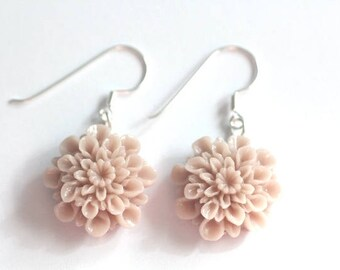Earrings, dusky pink dahlia