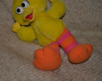 """LITTLE  """" BIG BIRD """", He Laughs, Vibrates, & says """" That's Funny!""""  by: Tyco, Pre School Toys,  Vintage 1996."""